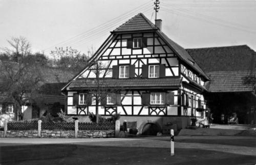 Foto: Historisches Bild eines Laufer Bauernhauses (schwarz-weiß)