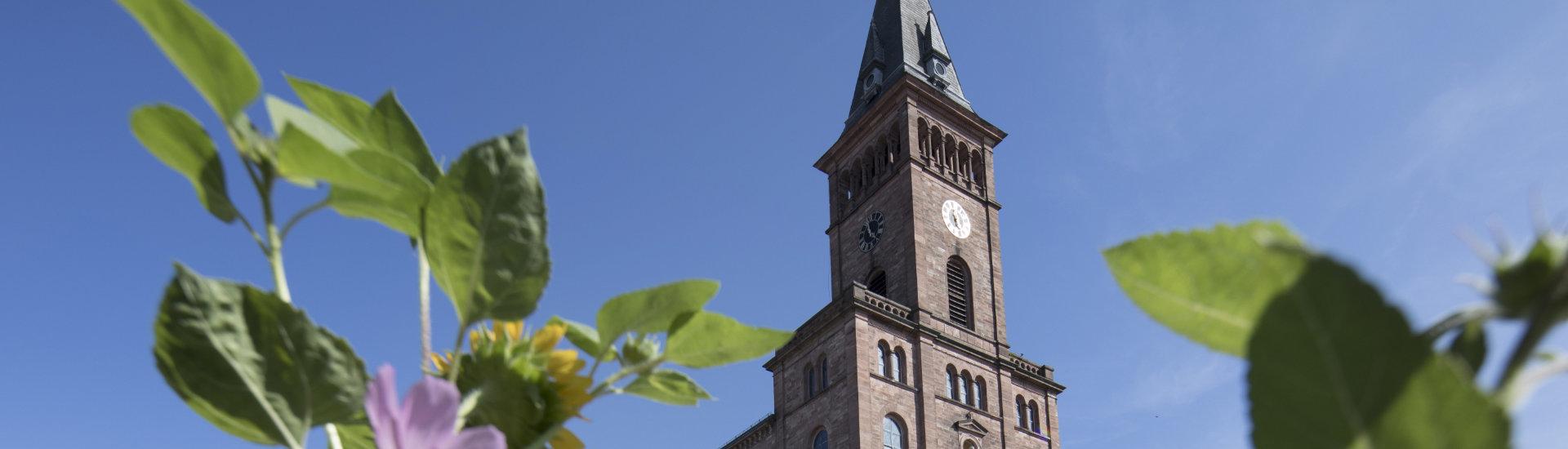 Foto: Kirchturm der Laufer Kirche